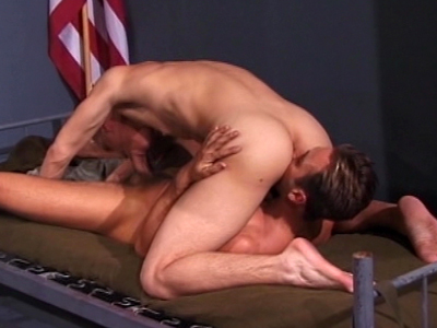 Horny sergeant gets the best of recruit�s butthole